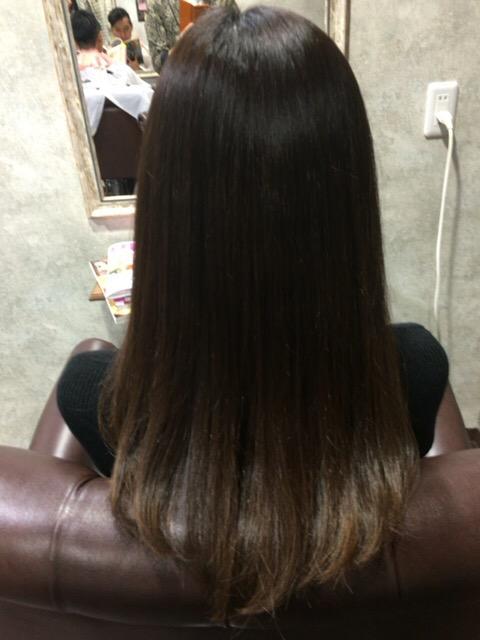 デジタルパーマの繰り返しでダメージが激しい髪に縮毛寄与