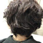 ショートヘアでも自然な仕上がりの縮毛矯正